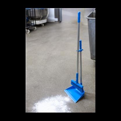 Щетка для подметания с ворсом под углом, 260 мм, средний ворс, синий цвет